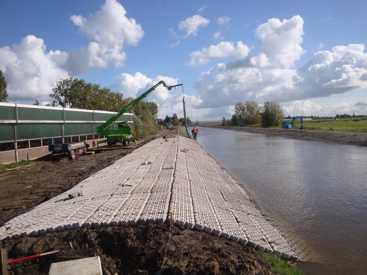Die Betomat®-Betonblockmatten werden als Ufer- oder Bodenschutz eingesetzt.