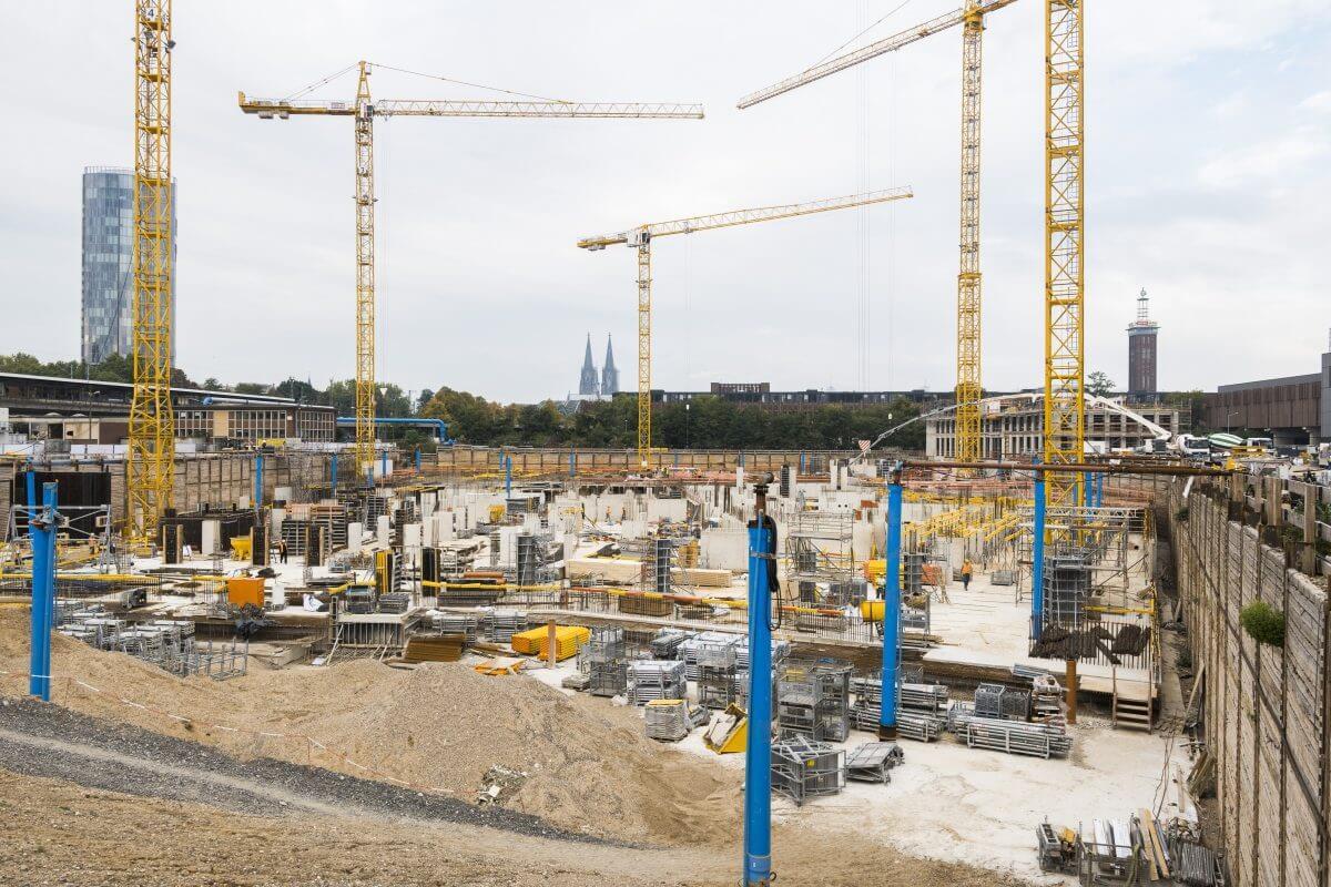 Zwischen dem Bahnhof Köln Messe/Deutz und der Koelnmesse entsteht ein neuer Hotspot: die MesseCity Köln.