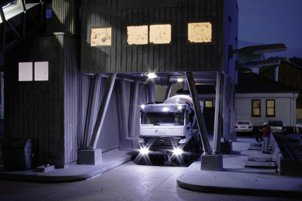 Der Transportbeton verlässt das Werk und begibt sich auf die Reise zur Baustelle des Kunden.