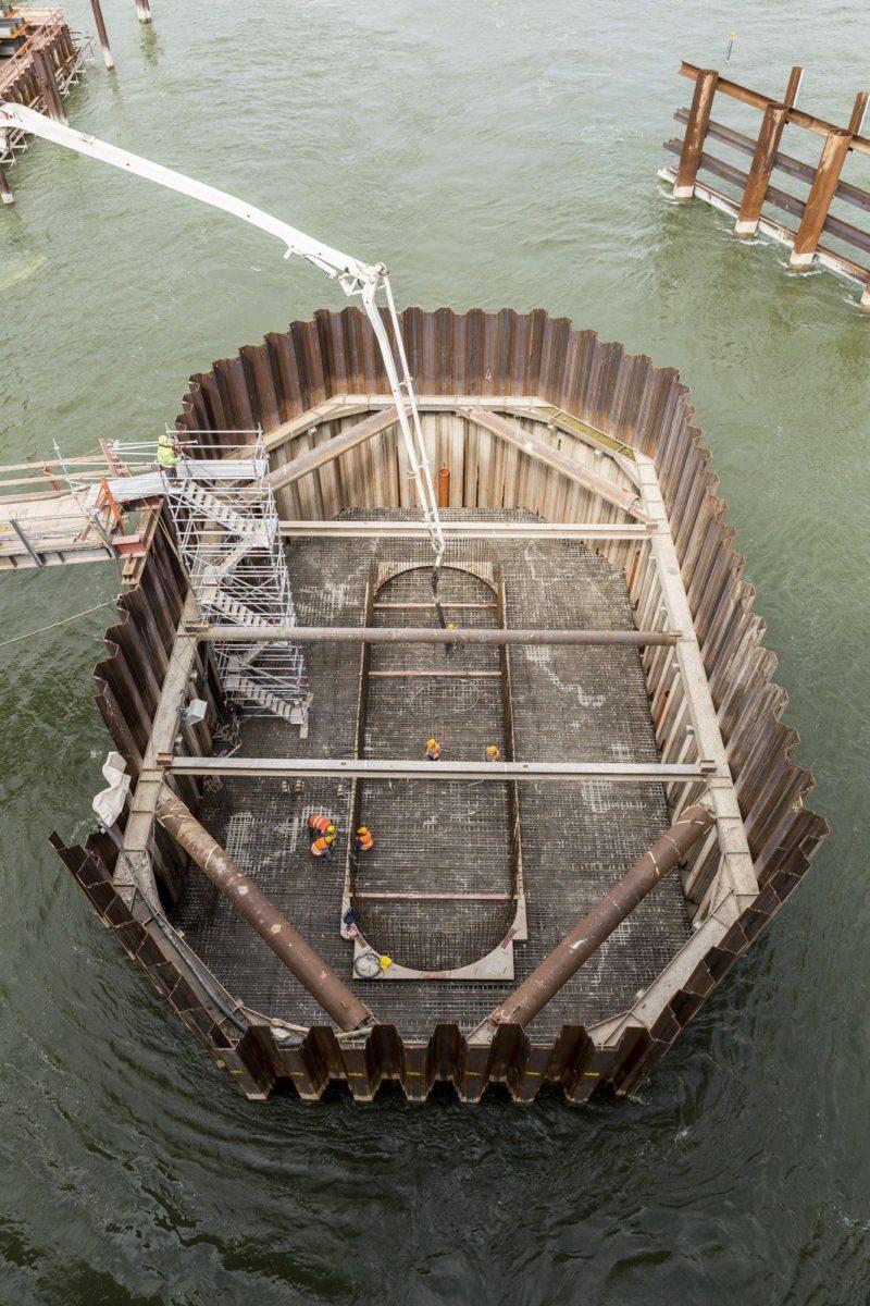 Am Ufer der Rettbergsaue wurde 2015 dieser Brückenträger mit Betonpumpen von Holcim betoniert.