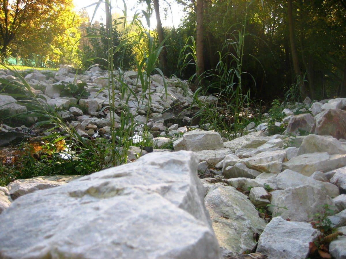Aus dem Produkt werden auch Steine für den Garten- und Landschaftsbau hergestellt.