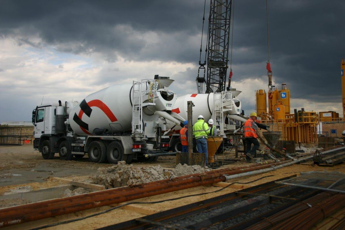 Es wurden rund 75.000 Tonnen Zement aus den Holcim Werken Höver und Lägerdorf sowie 180.000 Tonnen Splitt aus Glensanda von dem Schwesterunternehmen Yeoman eingesetzt.
