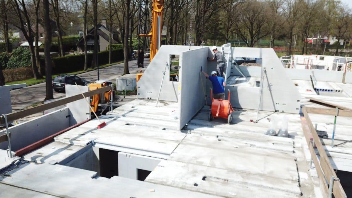 Fenster- und Türaussparungen werden von der Vetra exakt auf Maß eingemessen und angelegt.