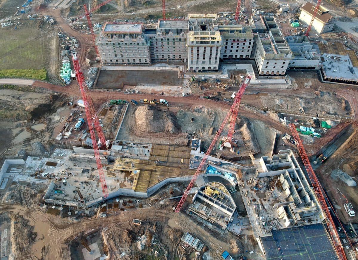 Ein Blick auf die Baustelle im Februar 2018. Es ist das mit Abstand größte Projekt in der Unternehmensgeschichte des Europa-Parks.