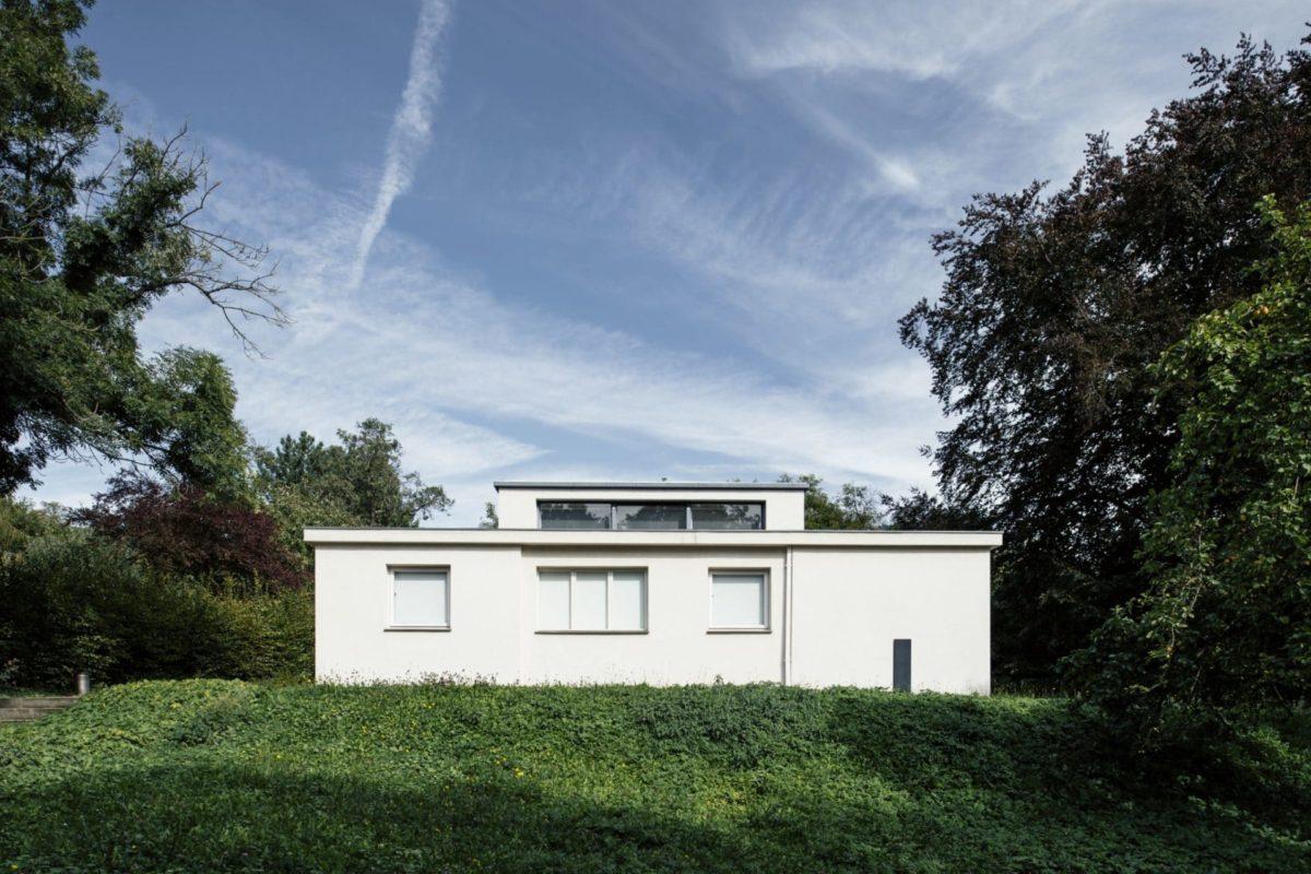 Das Einfamilienhaus in Weimar wurde als Versuchshaus zur ersten Ausstellung des Bauhauses erstellt.