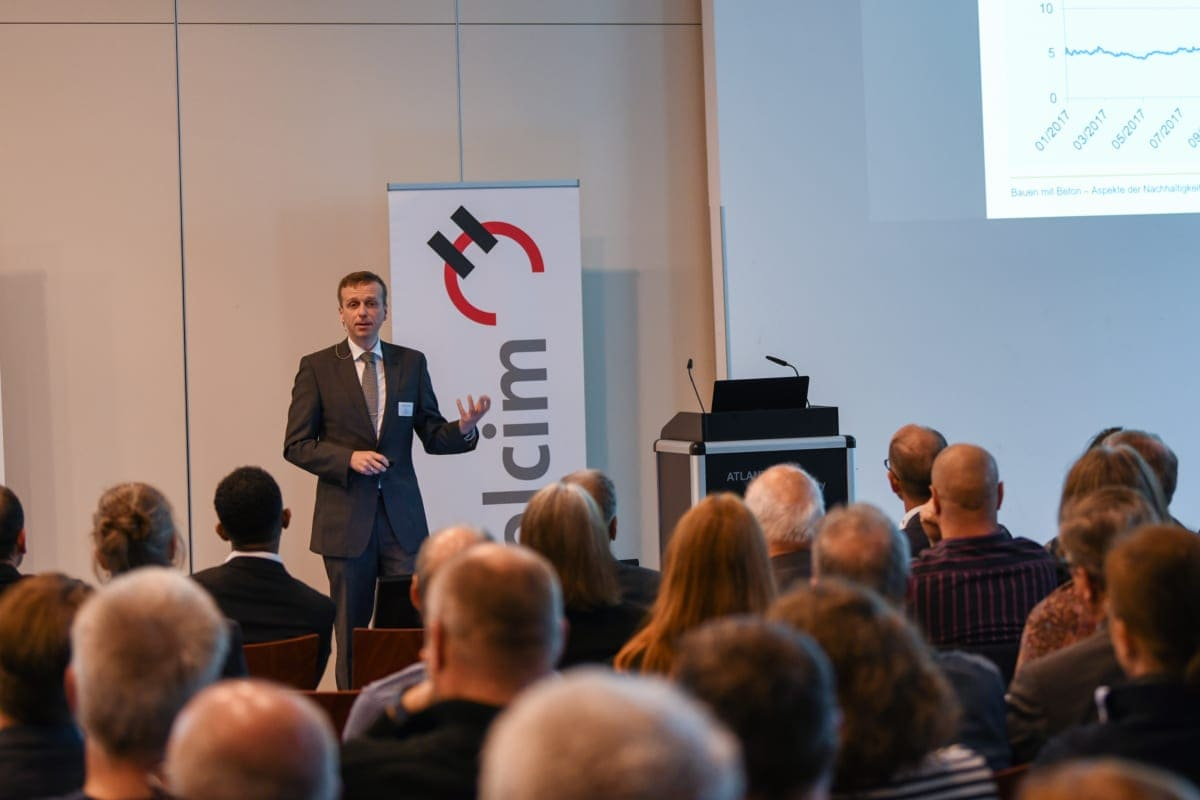 Der Projektleiter Technik vom InformationsZentrum Beton GmbH in Berlin sprach über Beton und die Herausforderungen der Zukunft.