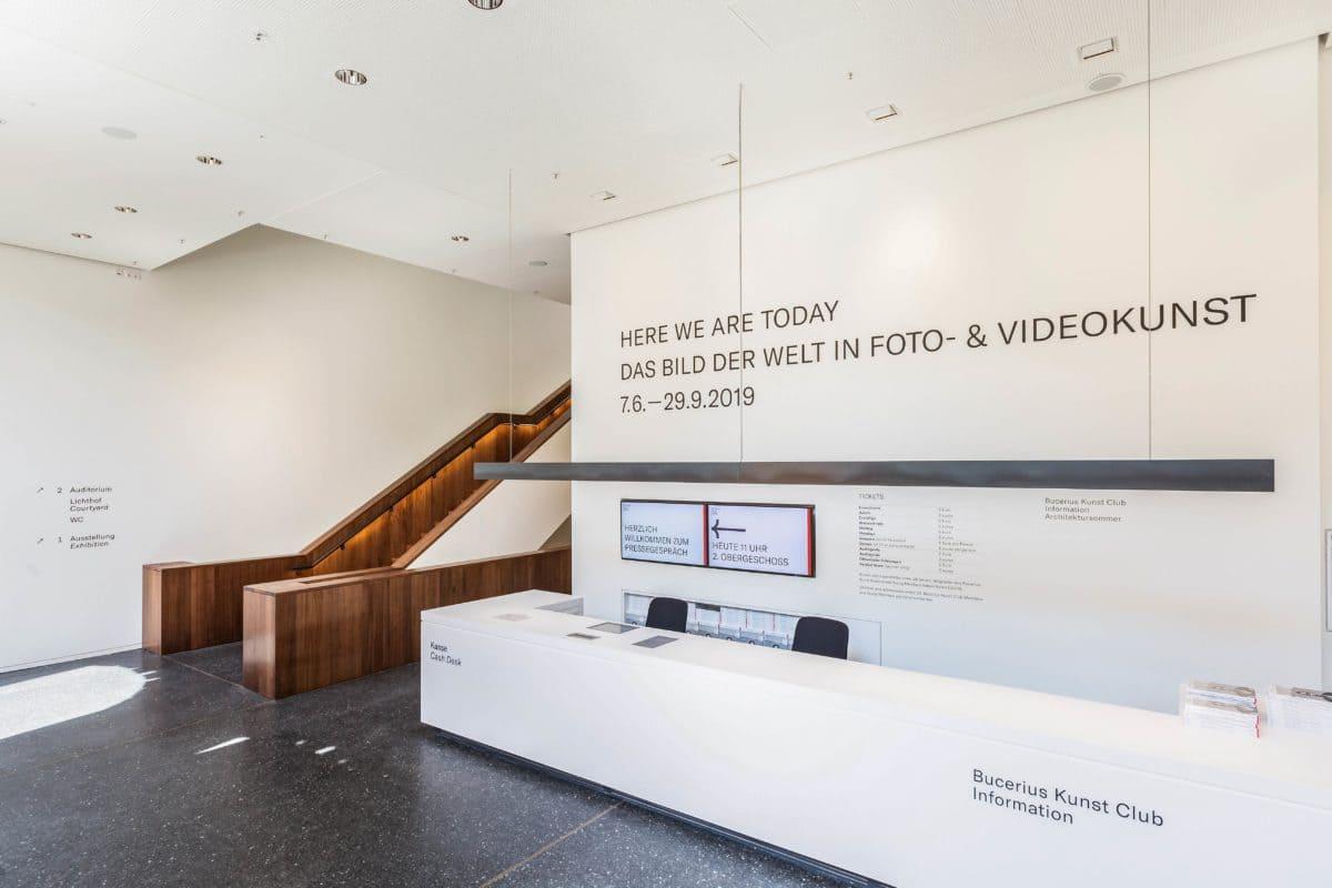 Jährlich besuchen mehr als 220.000 Menschen das Kunst Forum.