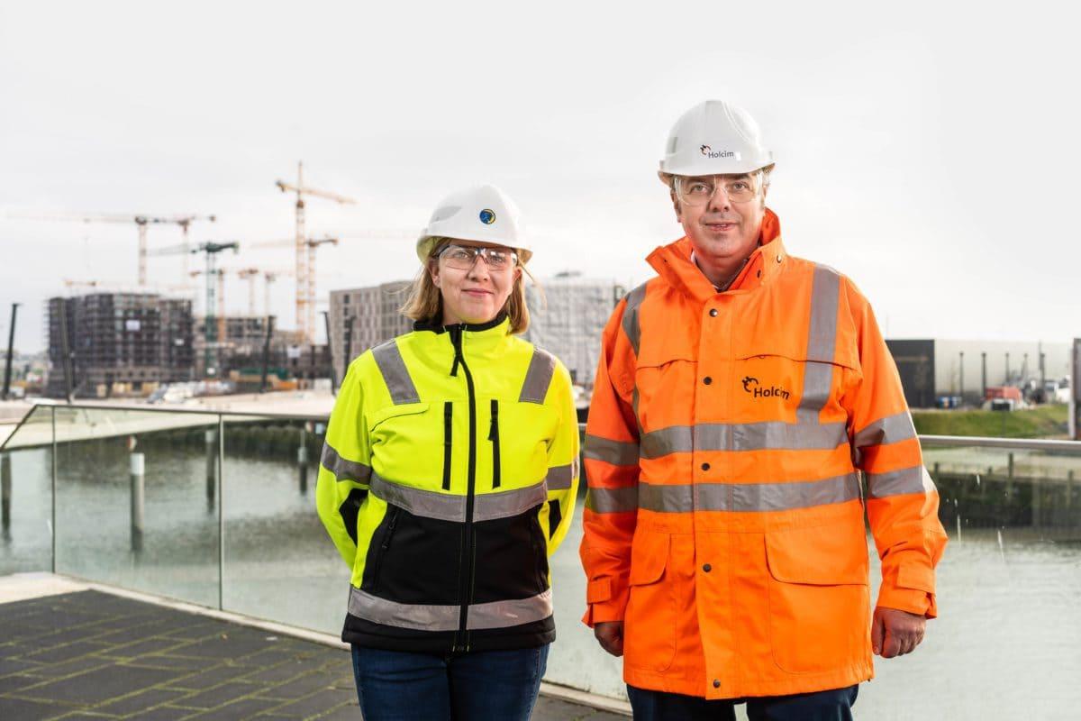 """Gesche Mentzer und Thorsten Hahn. Holcim und TBN arbeiten nicht nur beim """"Alter Wall"""", sondern bei vielen weiteren Projekten in Hamburg eng zusammen, zum Beispiel beim Überseequartier in der HafenCity."""