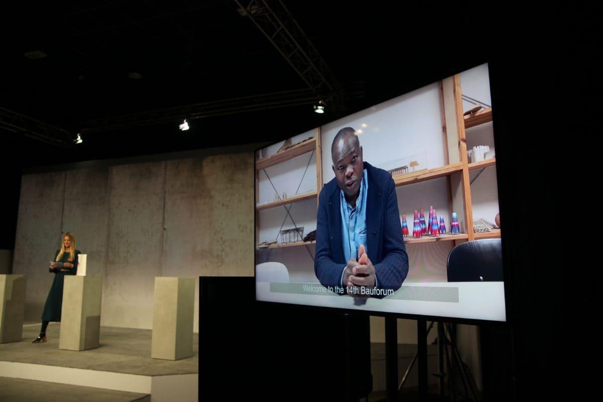 Der aus Burkina Faso stammende Architekt Francis Kéré richtete sehr persönliche Worte an alle Teilnehmer.